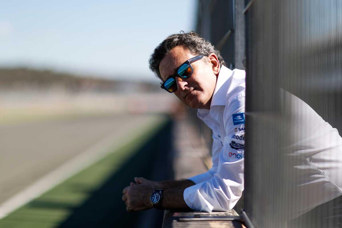 CEO da Extreme E afirmou que gostaria de ter a Ferrari na categoria